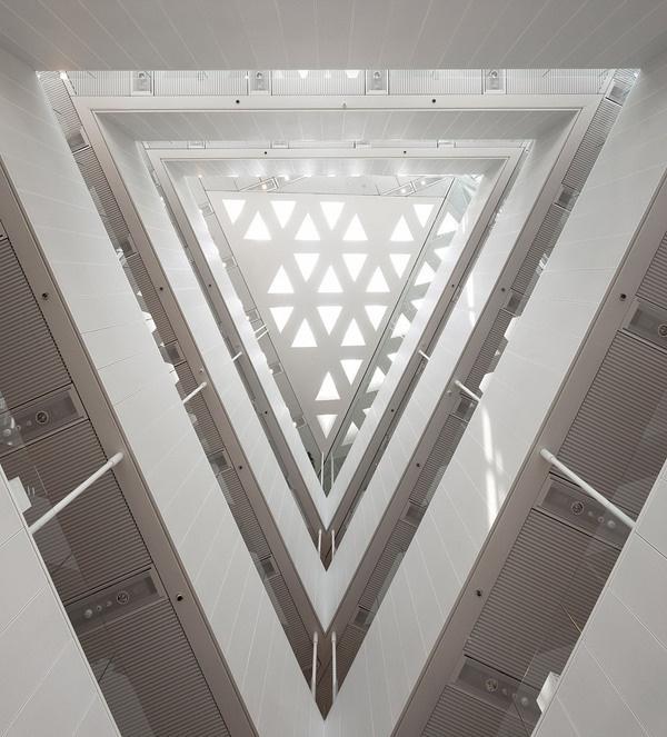 Zoom Photo #triangle #light #architecture #white