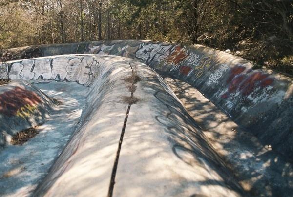 T H E D I G G E S T . C O M #bmx #run #snake #boost #ditch #skateboard