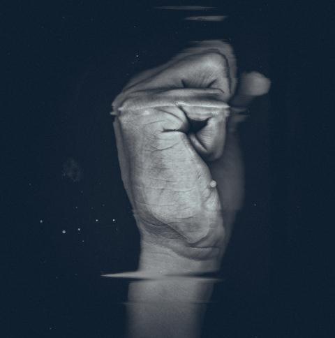 Andre Elliott   PICDIT #photo #photography #hand