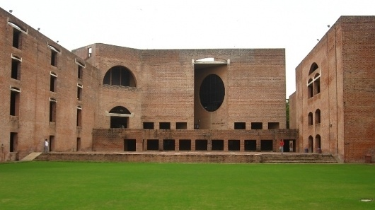 Louis_Kahn_Plaza.jpg (1024×575) #kahn #architecture #louis