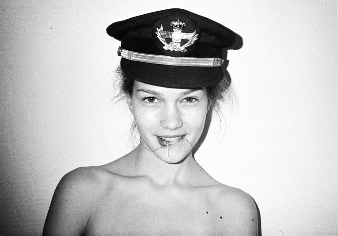 #hat #girl #portrait #smile #photo
