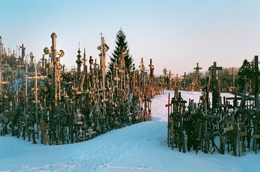 19430022.jpg 1080×716 pixels #crosses #photograph