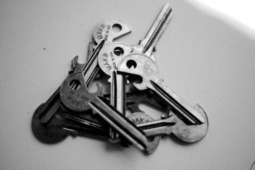 R E N O V A T I O #opener #bottle #design #key #clever