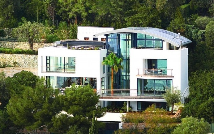 Villa O a splendid destination of French Riviera/ www. homeworlddesign.com #french #villa #riviera