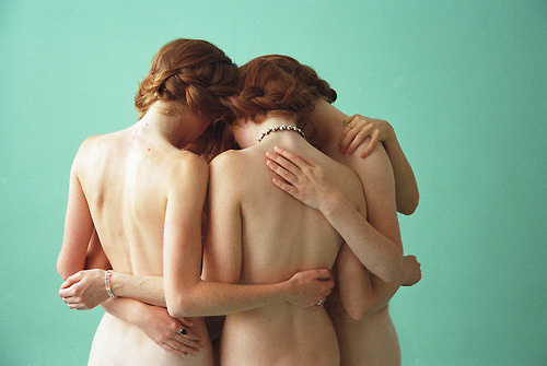 this isn't happiness™ photo caption contains external link #group #girl #photo #women #back #ginger