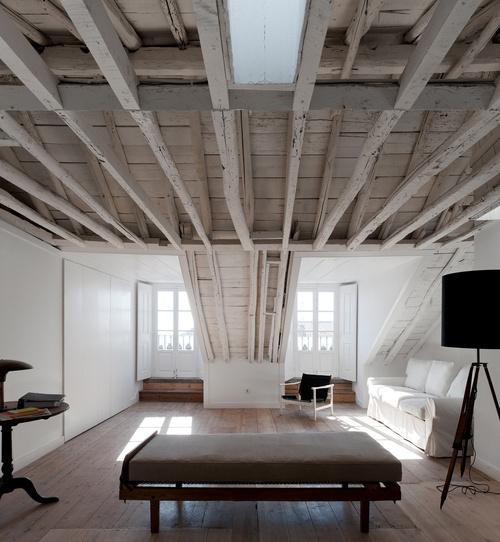 CJWHO ™ (Rehabilitación Fanqueiros, Lisboa, Portutal | José...) #white #design #interiors #wood #photography #luxury