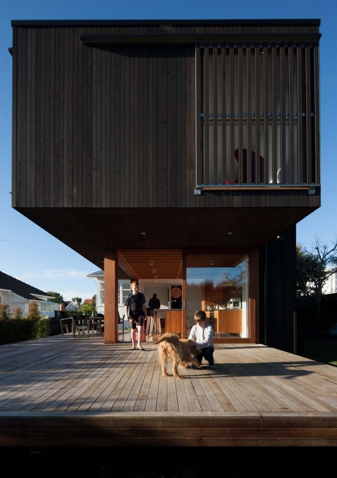 Contemporary Extension and Addition to a Beach House in Westmere, Auckland 2