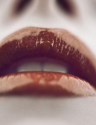 lips by ~lLondonBreakfastl #lips #glossy