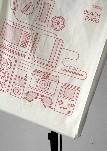 Beach Bags: preparant l'enviament | Atipus #packaging #illustration