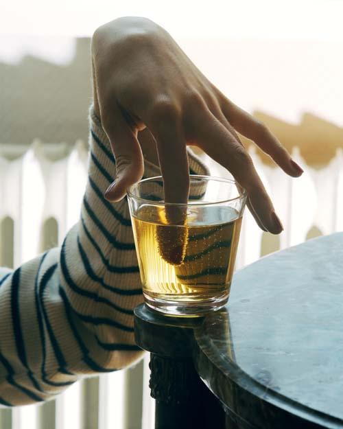 Torbjørn Rødland; http://off-the-wall-b.tumblr.com/ #finger #rdland #torbjrn #refraction