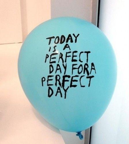 tutto Bene design #cyan #balloon #drawn #type #hand #typography