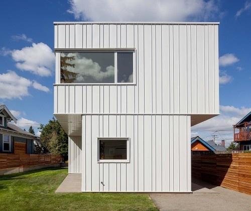 Pavilion House by Ben Waechter