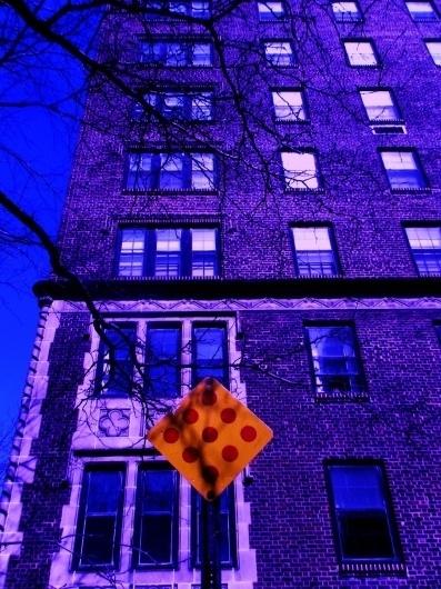 tumblr_lp1l3wcX7i1qmk2dko1_1280.jpg (960×1280) #sign #complimentary #building #york #colour #new