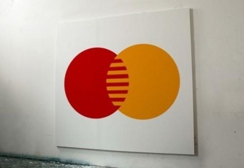 Sem Nome Pinturas de uma série de logos em sua...