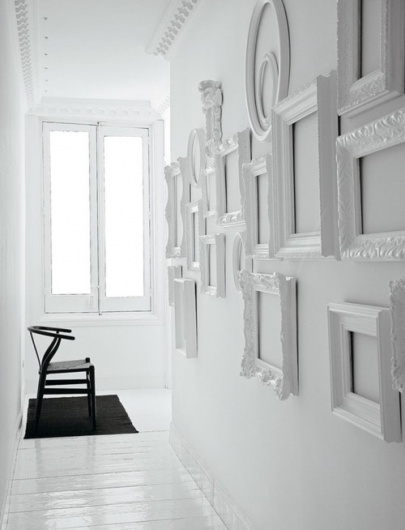 Things Organized Neatly #chair #frames #photography