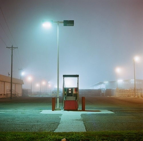 tumblr_kxrp91Ztzr1qzs56do1_500.jpg 500×492 pixels #fog #fuel #night #photography #light
