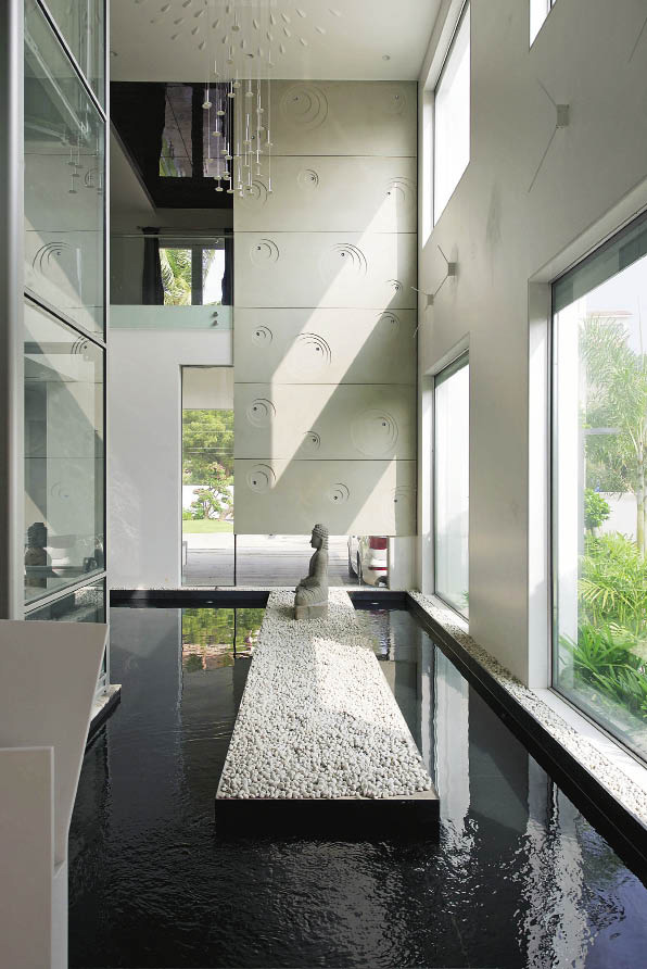 Pulling Out All the Stops-Lavish home deigned by NA Architects