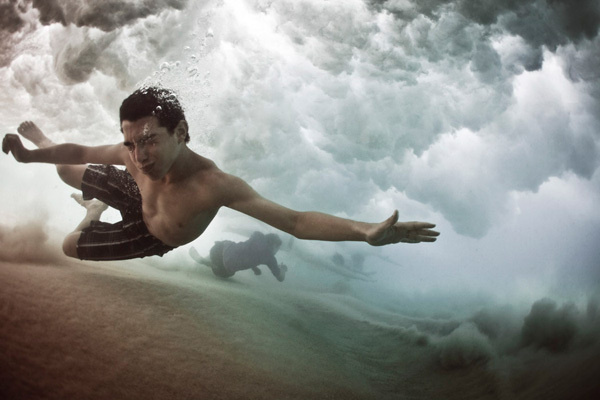 Bajo el agua #mark #water #tipple #photo #sea #photography #art