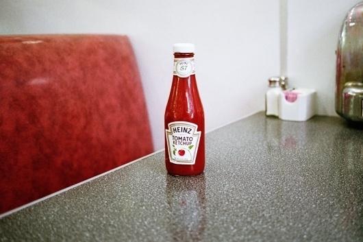 Yosigo : Mexico #yosigo #red #ketchup #tomato #photography #heinz