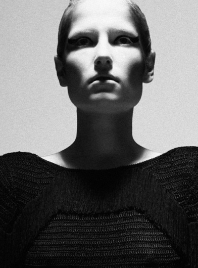 Merde! - Fashion photography fashi0nbible: Zoe Zimmer #fashion #photography