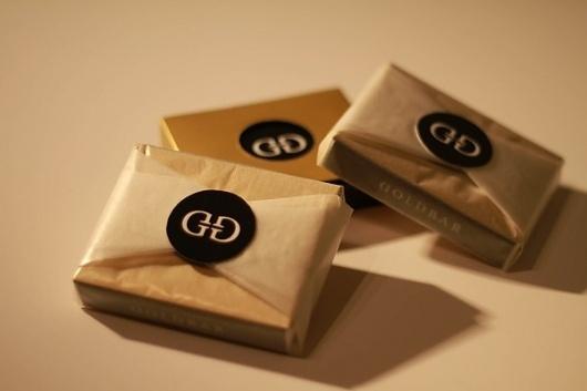 Goldbar Bubblegum on the Behance Network #sjaakboessen #packaging #gold #bubblegum #goldbar