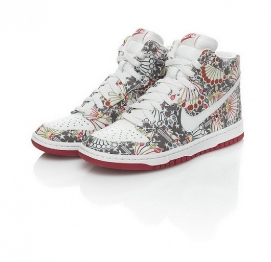 Liberty x Nike Sportswear Collection | Fubiz™ #nike #pattern #shoe