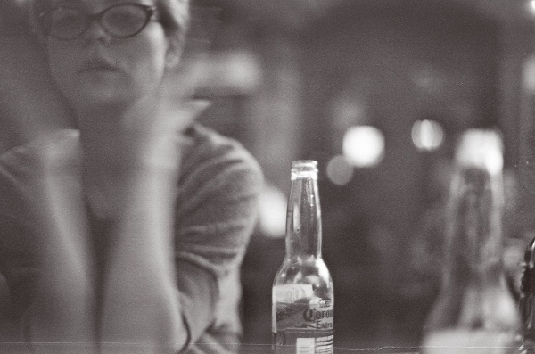 tumblr_m6phxpppYe1ry2d1ao1_1280.jpg (1280×849) #white #analog #damnnyc #damn #blur #canon #corona #black #photography #nyc