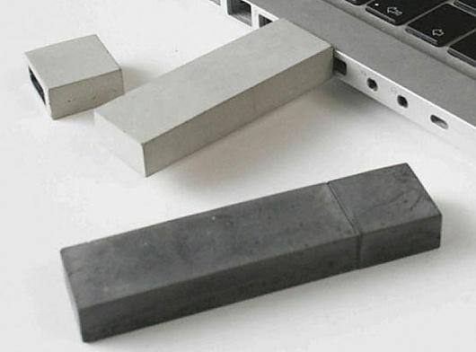 kix-berlin-concrete-usb-stick.jpg 540×400 pixels #usb #concrete #cool