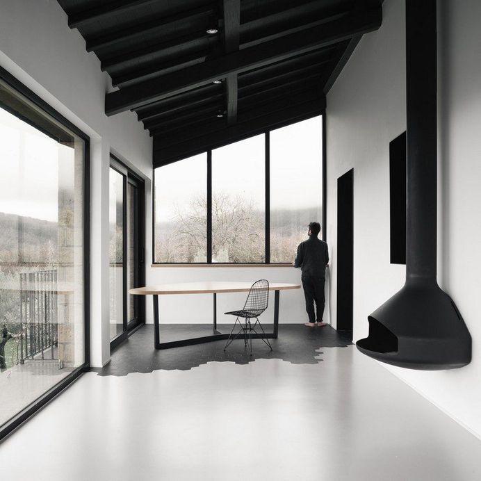 Martina House: Traditional Farmhouse Converted into a Contemporary Home