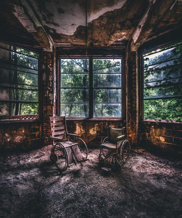 Abandoned Buildings Across America: Photography by Jayson Cassidy