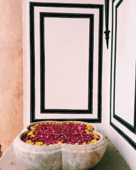 FLOWER FLOATING RANGOLI