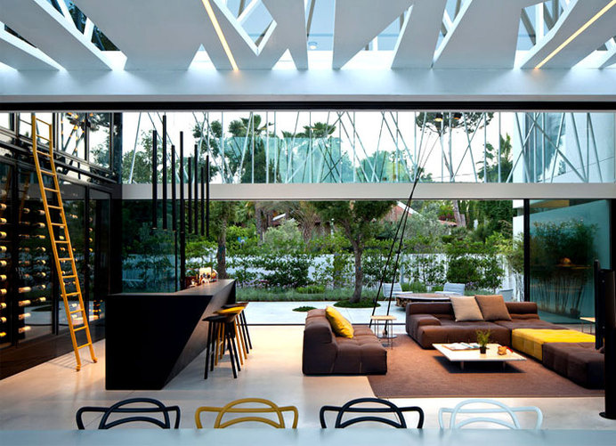Party House Project by Pitsou Kedem Architects stylish black gray base living room interior #interior #design #decor #home