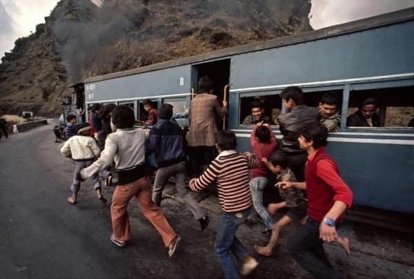 Trains Steve McCurry13 #india #photography #railway
