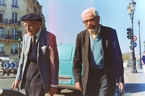 http://off-the-wall-b.tumblr.com/ #france #old #men
