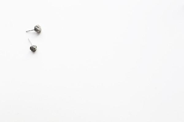 Pyrite Earrings || PARALLEL PULSE #raw #pyrite #studs #pulse #design #earrings #jewelry #parallel