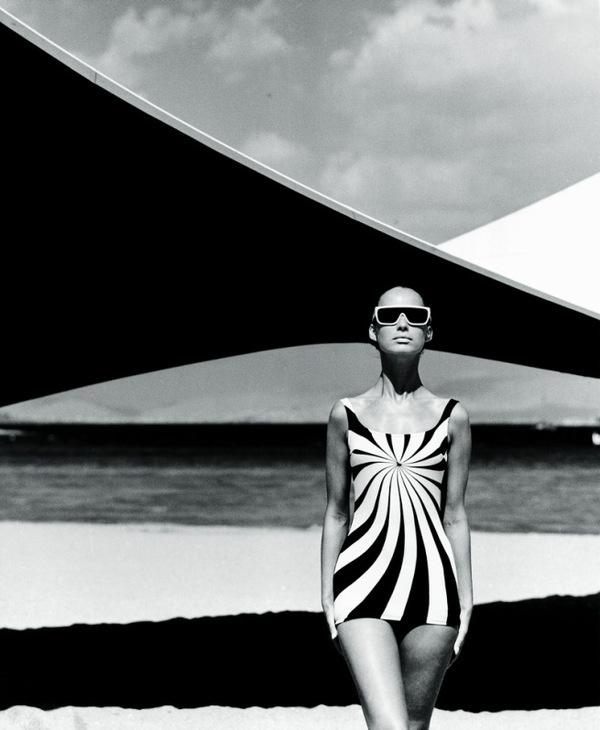 Buamai Op art swimsuit brigitte bauer op art swimsuit by sinz vouliagmeni_ greece 1966.jpg 655×798 Pixels #retro #style #sea #woman #water
