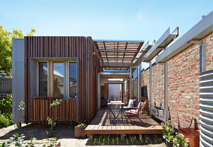 Retractable Roof House Kinetically Adapted to the Climate of Melbourne #melbourne #architecture