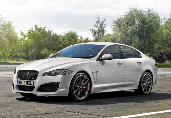 Jaguar XFR Speed Pack #tech #amazing #modern #innovation #design #futuristic #gadget #ideas #craft #illustration #industrial #concept #art #cool