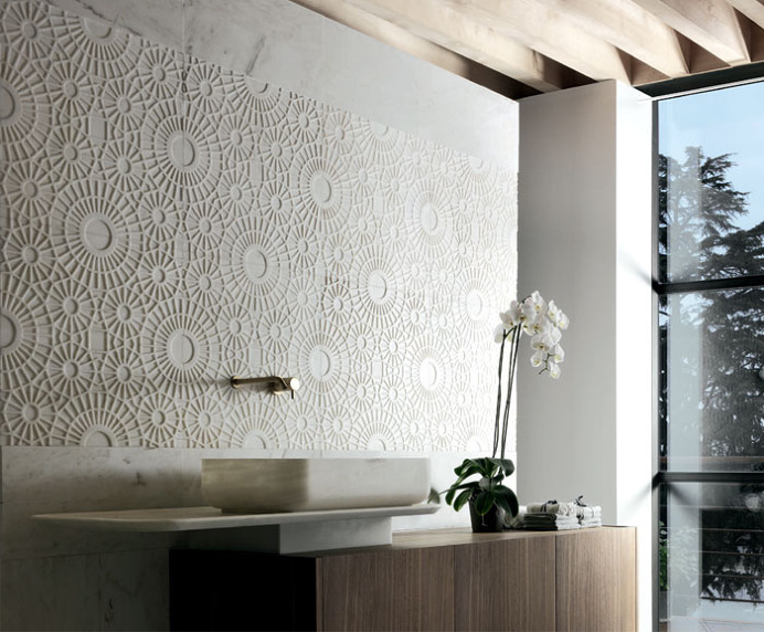 Delicate Marble Cladding – Rondo and Merletto by Kreoo - #bath, #interior, #decor, #wallcoverings, #walls, #walldecor,