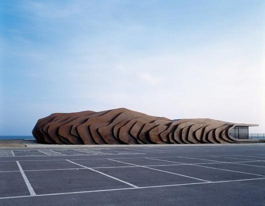 Amazing Shell-like Café in Littlehampton / Heatherwick Studio - eVolo | Architecture Magazine #architecture