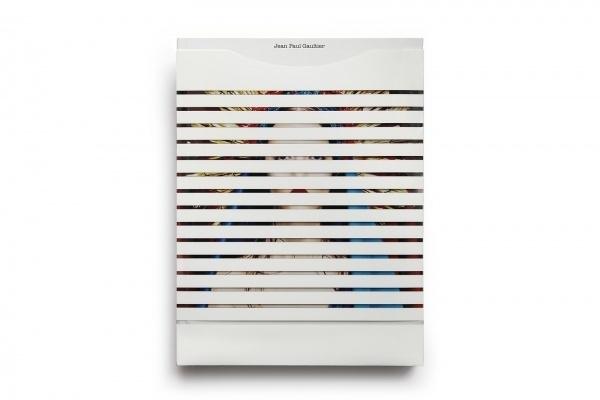 Résultats Google Recherche d'images correspondant à http://resultats.infopresse.com/prixgrafika/2012/Prix/9328_Paprika/lg/9328_Paprika_JPG #print #book #cover #paprika #jean #gaultier #paul