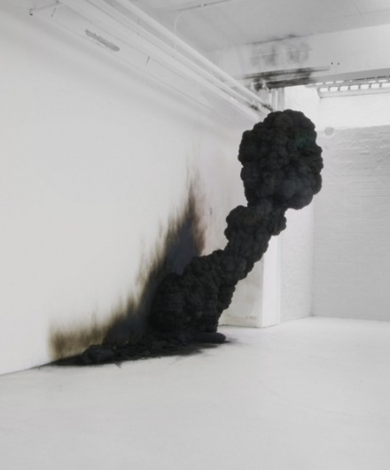 traPp.jpg (500×601) #smoke #black #installation