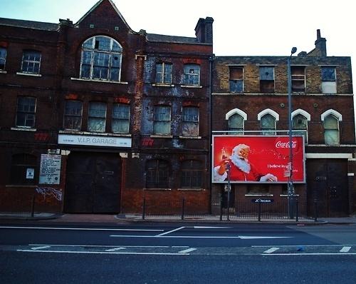 http://www.flickr.com/photos/wallb/ #coke #billboard #santa #london #advertising #coca #cola