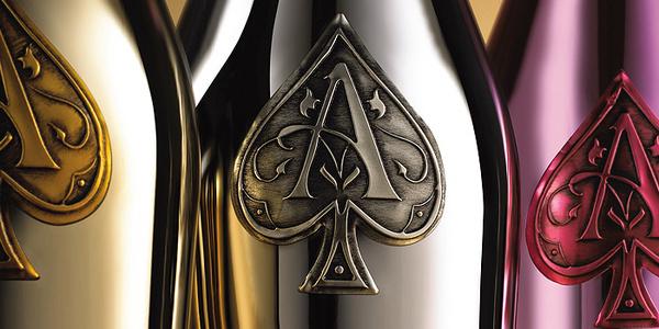 Armand de BrigniacChampaigne The Dieline #wine #bottle