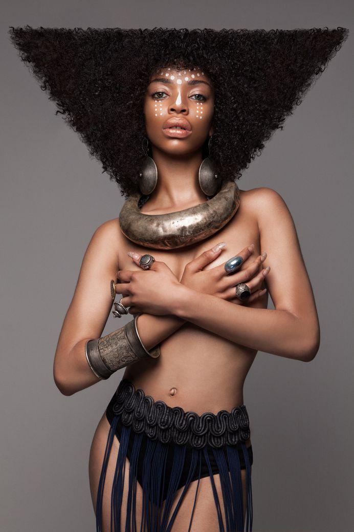 Spectacular Women Rocking their Afros – Fubiz Media