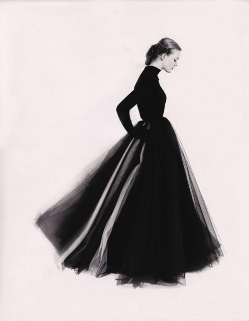 Susan Abraham by Norman Parkinson 1951 #golf #photo #classic #retro #black #parkinson #skirt #norman
