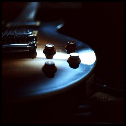 mood indigo | Flickr: Intercambio de fotos #guitar #minimalism #photography #film #music