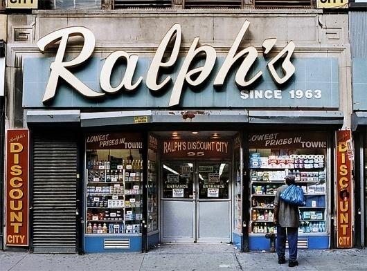 I vecchi negozi di New York negozi_nyc02 – Il Post #new #shop #york #typography
