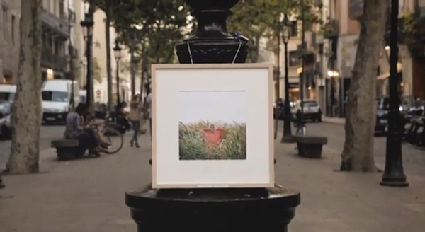 Photographer Left His Pictures On The Streets, Asks Passers-By To Steal Them #guerilla #photography