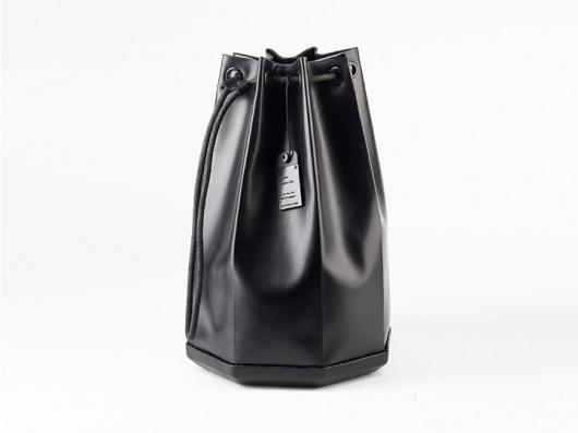 Sailing Bag — Audemars Piguet : JACQUES-ELIE RIBEYRON — PRODUCT DESIGN #fashion #bag #design